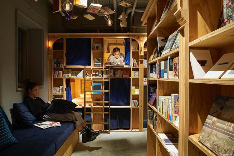 bookstore-hostel-book-and-bed-tokyo-kyoto-vinegret-8