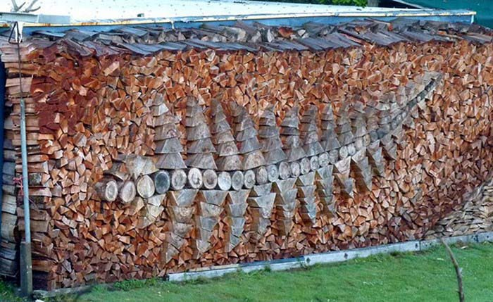 creative-wood-pile-stacking-art-vinegret-3