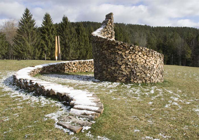 creative-wood-pile-stacking-art-vinegret-5