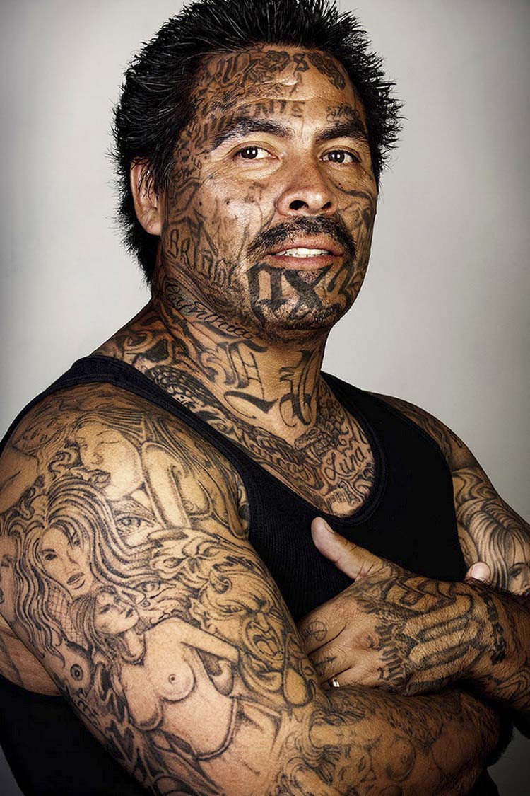 ex-gang-members-tattoos-removed-skin-deep-steven-burton-vinegret-1