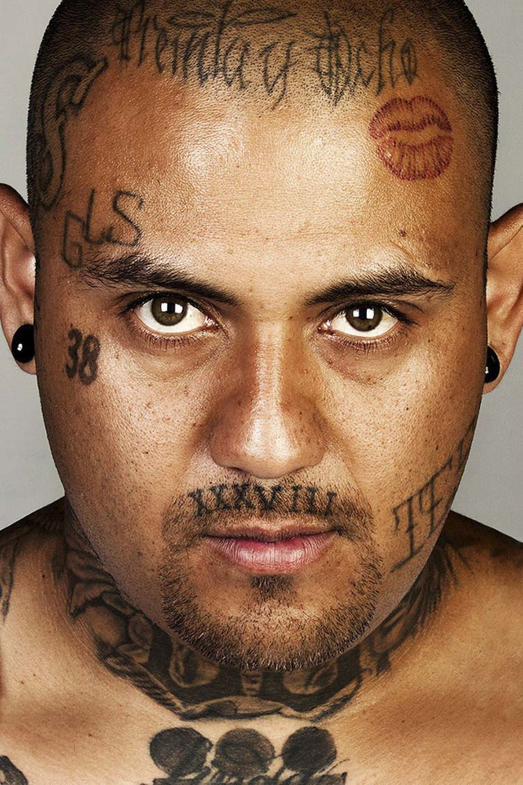 ex-gang-members-tattoos-removed-skin-deep-steven-burton-vinegret-11