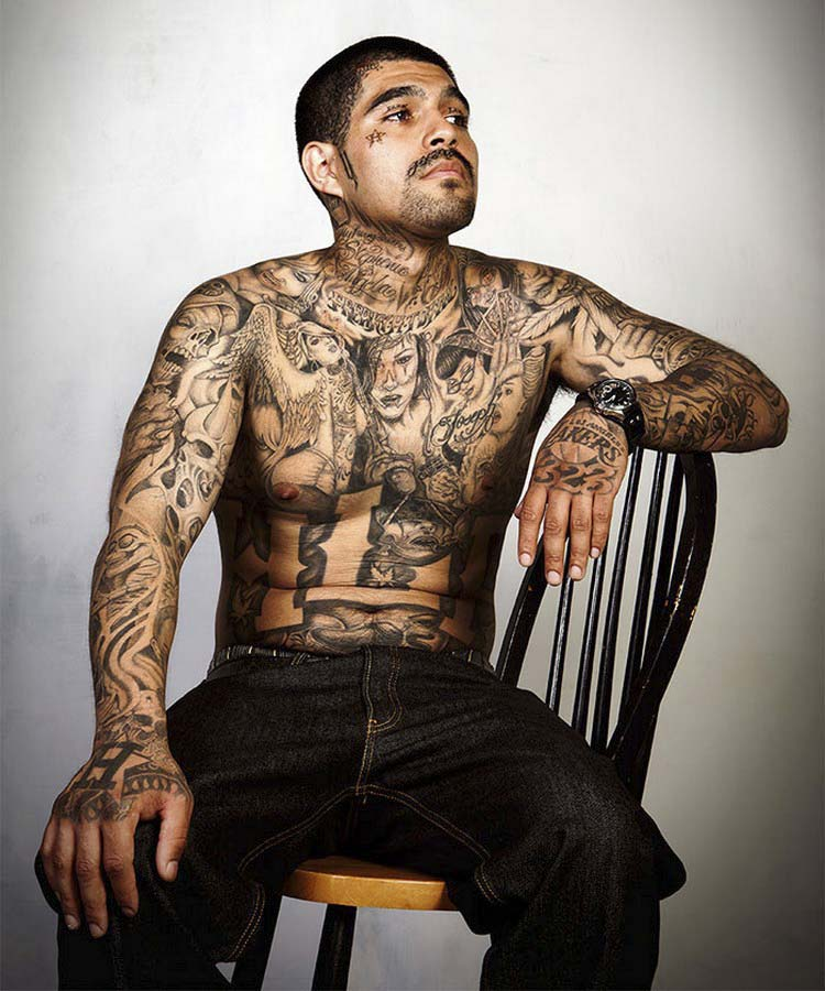 ex-gang-members-tattoos-removed-skin-deep-steven-burton-vinegret-17