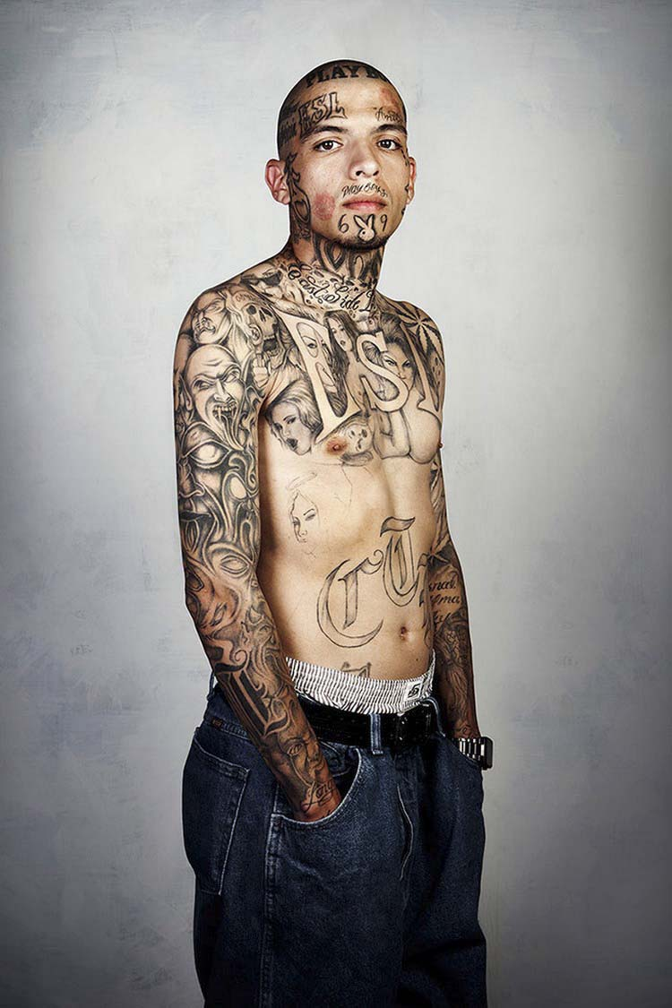 ex-gang-members-tattoos-removed-skin-deep-steven-burton-vinegret-9