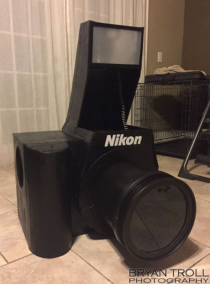 functional-nikon-camera-costume-bryan-troll-vinegret-10